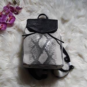Handbags - 🐍 Snakeprint Faux Leather Backpack